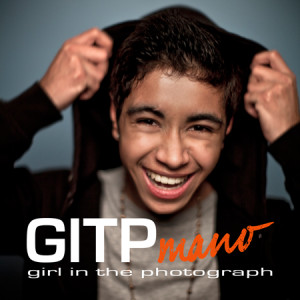 Cover The girl in the photograph Mano